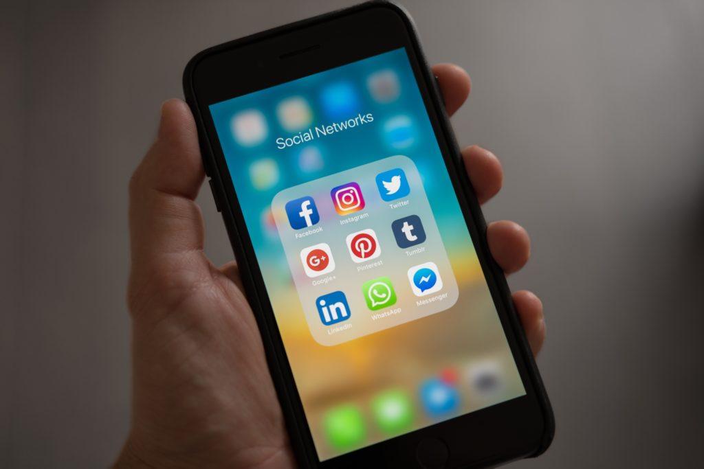 ehpad diffusion photo réseaux sociaux